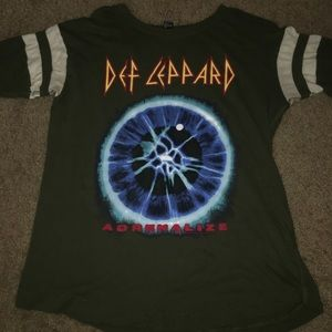 Forever 21 green Def Leppard women's shirt size s